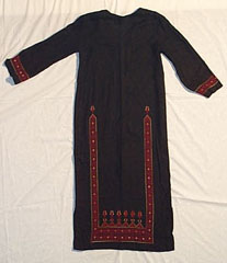 dress9.jpg (11102 bytes)